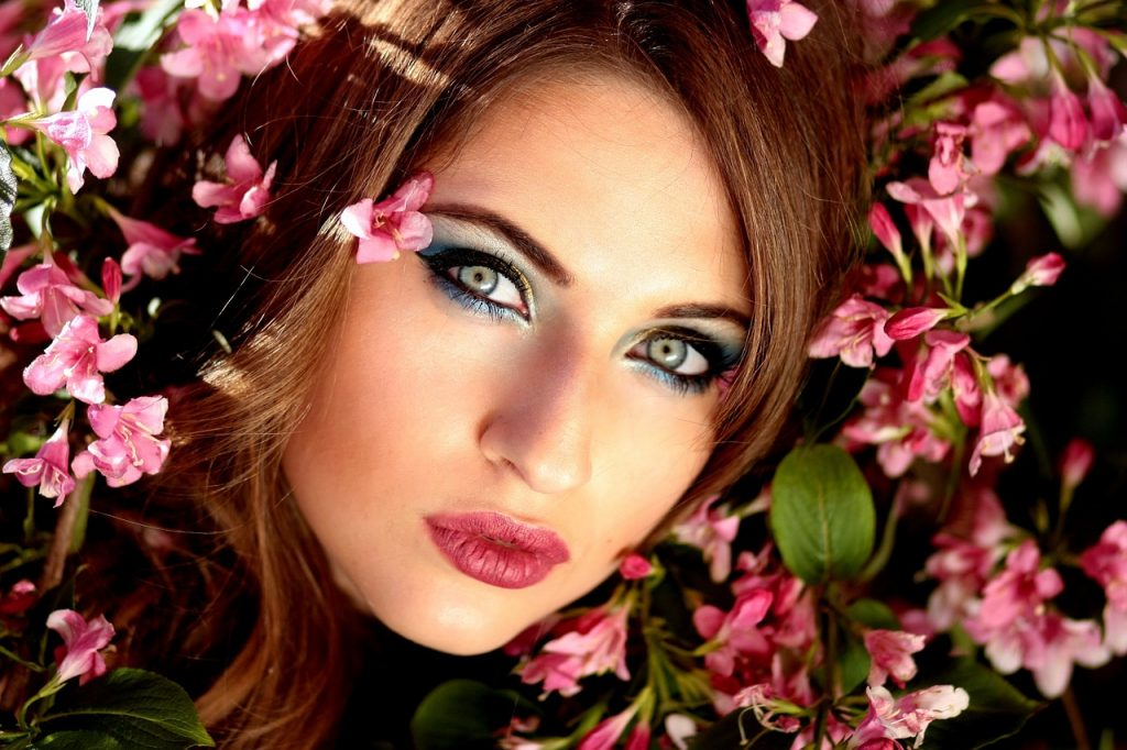 cursos en linea de maquillaje