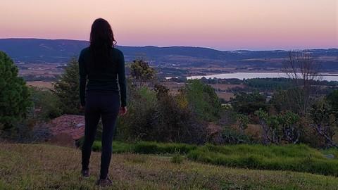 Transforma la ansiedad en libertad. Guía de autoayuda psico-corporal para personas con ansiedad e interesadas en el autoconocimiento.
